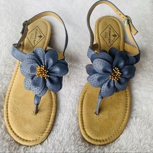 St John's Bay Leather Periwinkle Flower Sandals
